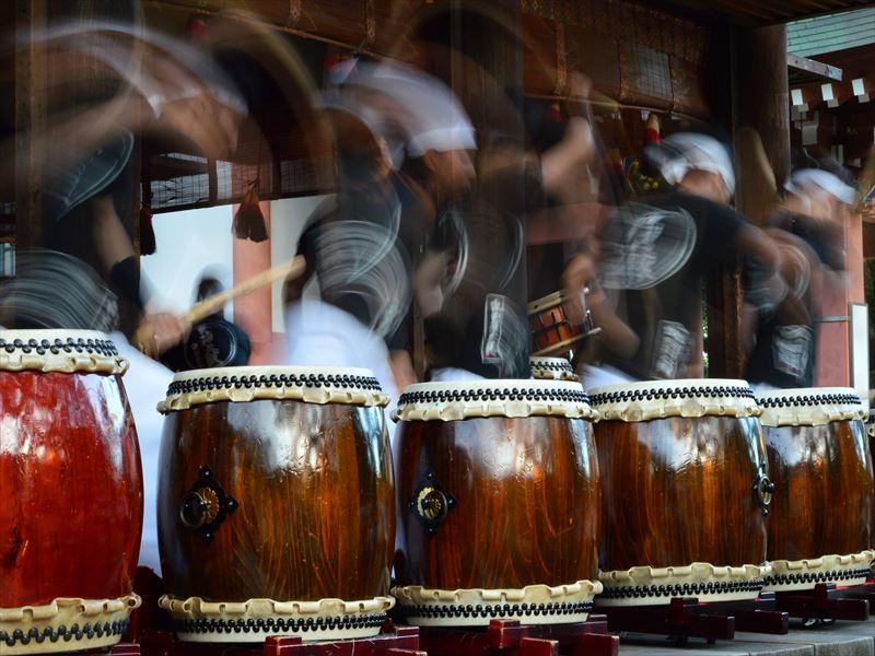 太鼓を打つ前の準備運動